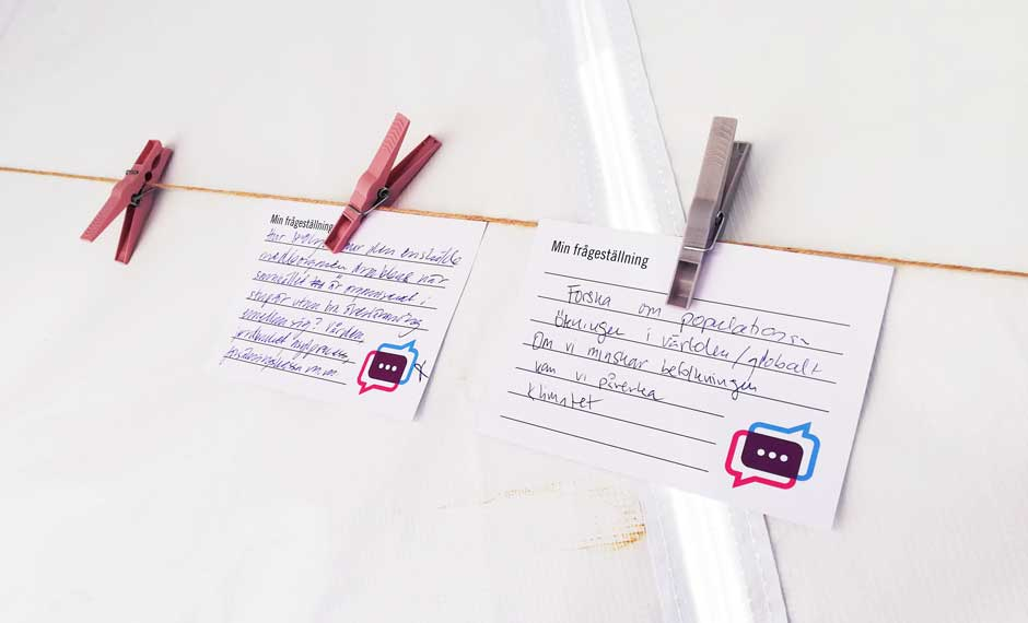 Visitors wrote their questions down on cards which were displayed in the pop-up Science Shop. Photo: Hanna Mellin, VA